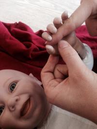 Votre ostéopathe à Paris 3 et à Paris 12 : comprendre les différents types de reflux ou vomissements du bébé